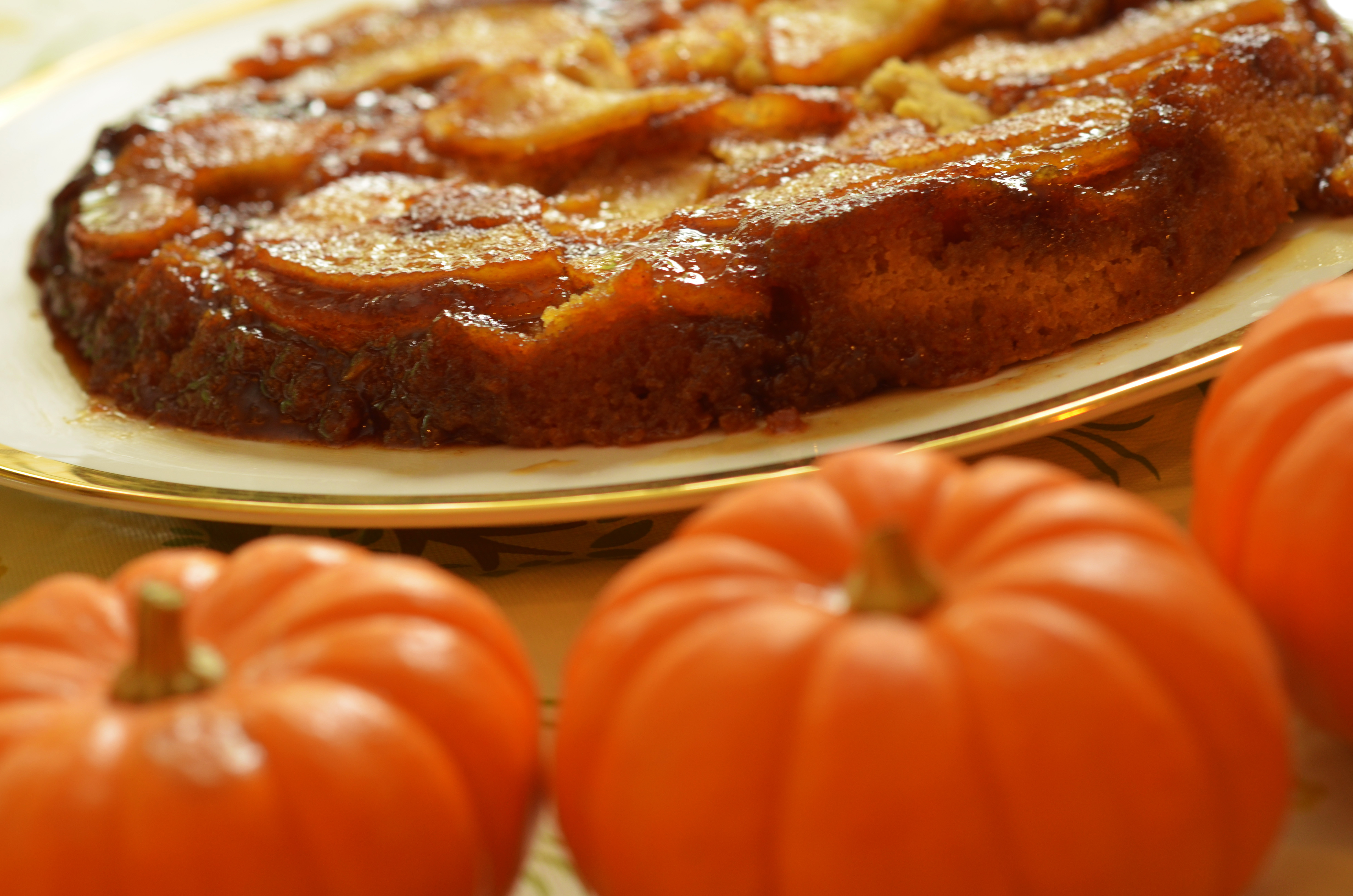 Caramel Apple Upside Down Cake « Cook With Tom